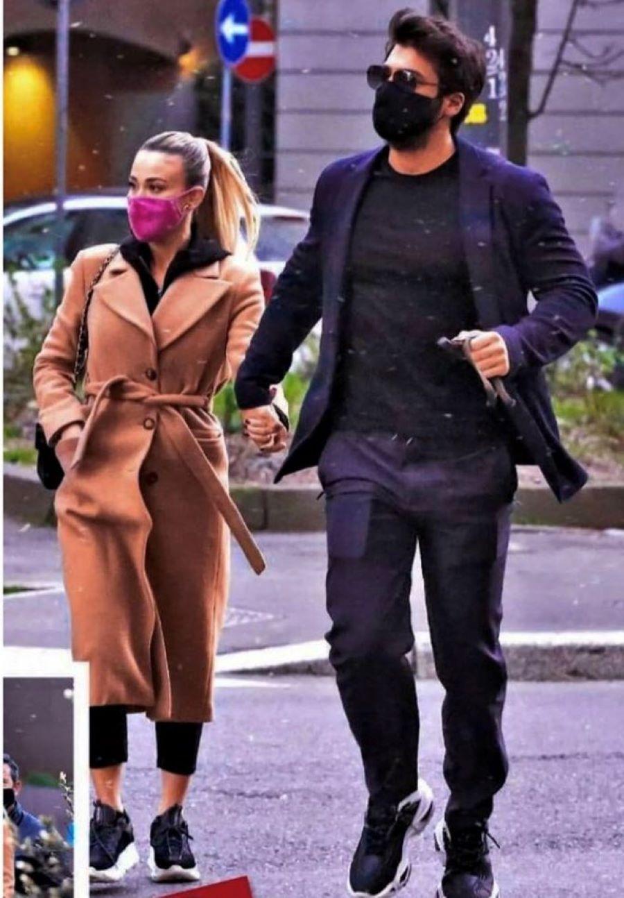 Can yaman, de paseo con su novia por Roma