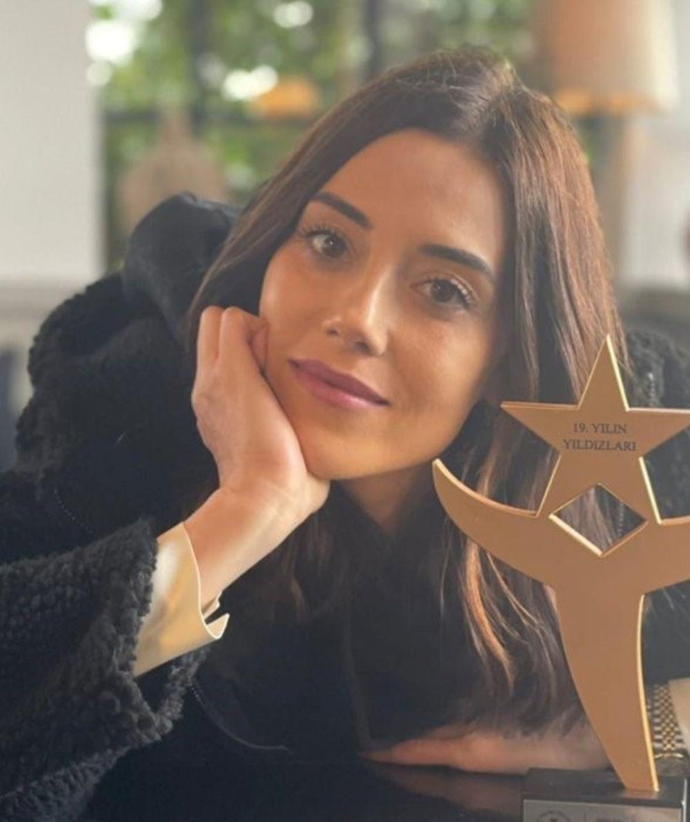 Cansu Dere, premiada por su papel en 'Infiel'