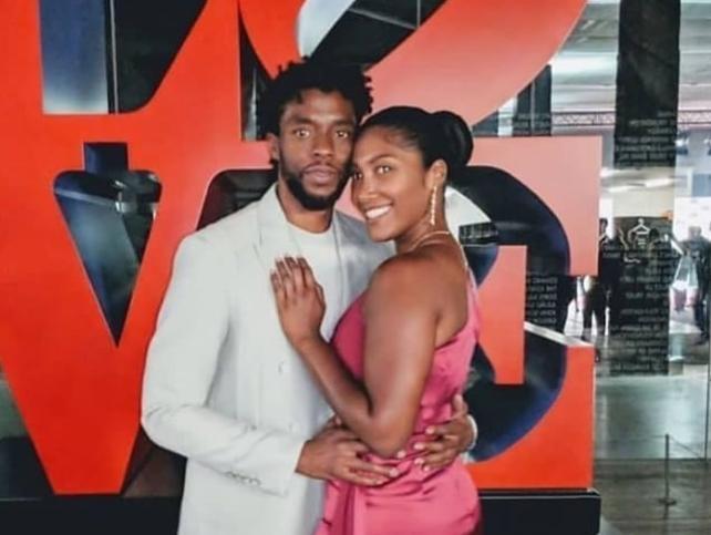 Globos de oro 2021: las lágrimas de la viuda de Chadwick Boseman (para agradecer el premio póstumo al mejor actor de su marido) se convierte en el momento más triste, trágico y emotivo de la historia de los premios