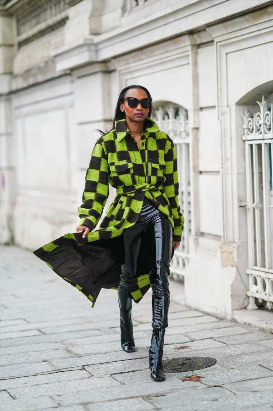 El chaleco de cuadros damero o la prenda favorita de Instagram