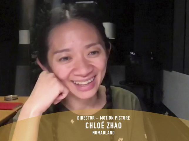 La directora de cine Chloé Zhao hace historia en los Globos de Oro por Nomadland y estos son los tres motivos por los que no puedes perderte la mejor película de 2021