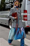 Tienes que ver todo lo que puedes conseguir con una blazer gris: desde un look básico impecable hasta un estilismo directamente espectacular
