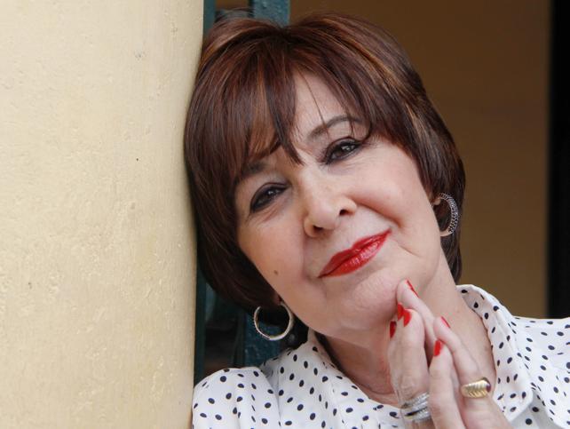 Todo lo que no sabes de Concha Velasco a sus 81 años y  deberías conocer para admirarla aún más: fue madre soltera, posó en topless para interviú, desfiló en bragas para Berlanga y tuvo un intento (frustrado) de suicidio
