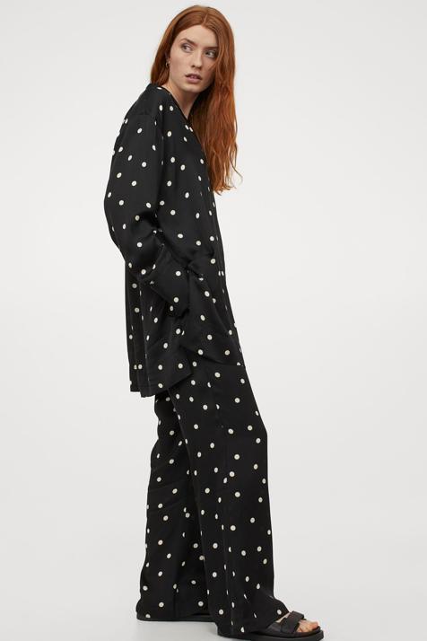 Lunares, flores o animal print: tu elijes el estampado perfecto para este conjunto de pantalón y camisa de H&M que no te querrás quitar esta temporada