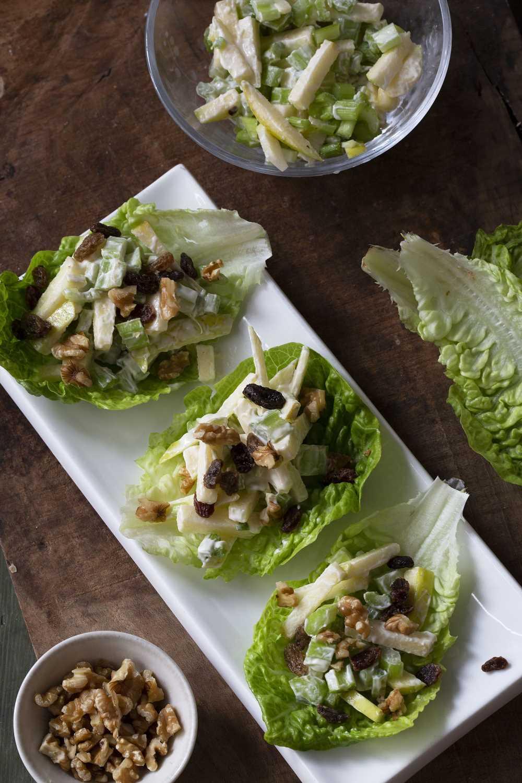 Cómo preparar ensalada waldorf, la mezcla perfecta entre crujiente y cremoso