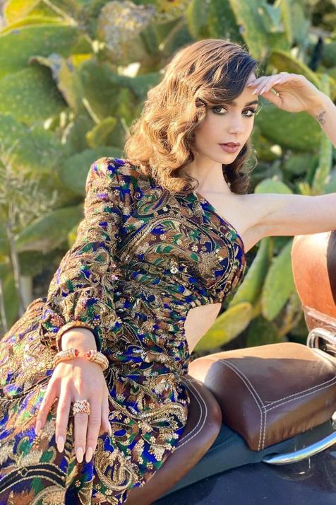 Globos de Oro 2021: del vestido de novia reconvertido de Amanda Seyfried a la delicadeza de Elle Fanning o el Chanel de Margot Robbie, repasamos los mejores looks de la alfombra roja más atípica