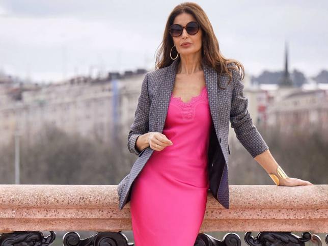 Los mocasines en varios colores que han enamorado a las influencers de más de 50 para dar un toque sofisticado a tus looks de entretiempo