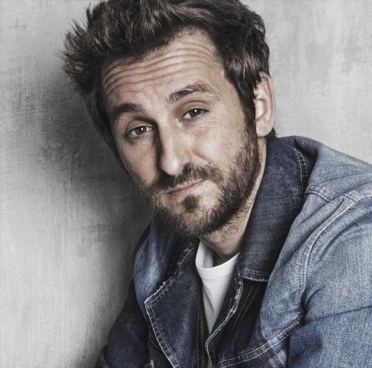 'Santo': Raúl Arévalo protagonizará la primera serie de Netflix rodada en España y Brasil