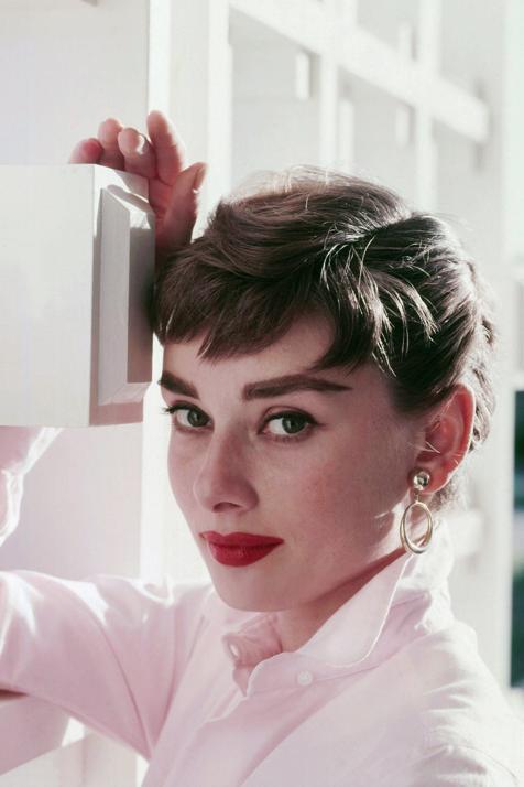 Audrey Hepburn usaba esta mascarilla para el pelo para acabar con el encrespamiento y sacar el máximo brillo posible (y aún está a la venta)