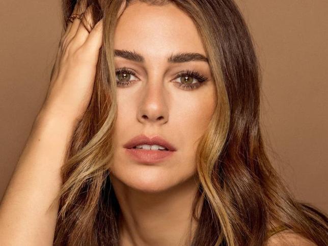 Blanca Suárez tiene el aparato facial que aumenta la producción de colágeno, reparar la elastina y reafirma el rostro