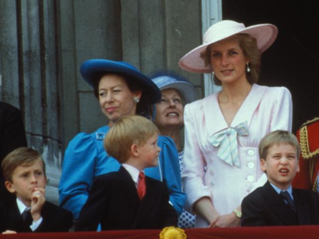 Cómo pasó la princesa Margarita de Inglaterra de ser la mejor aliada de Diana de Gales a su peor enemiga (y comentar la reforma del baño en su funeral)
