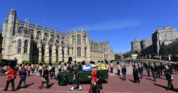 Crónica desde Windsor · Así hemos vivido el adiós al duque de Edimburgo en los alrededores del castillo: Todos le querían. Con la gente era como un padre