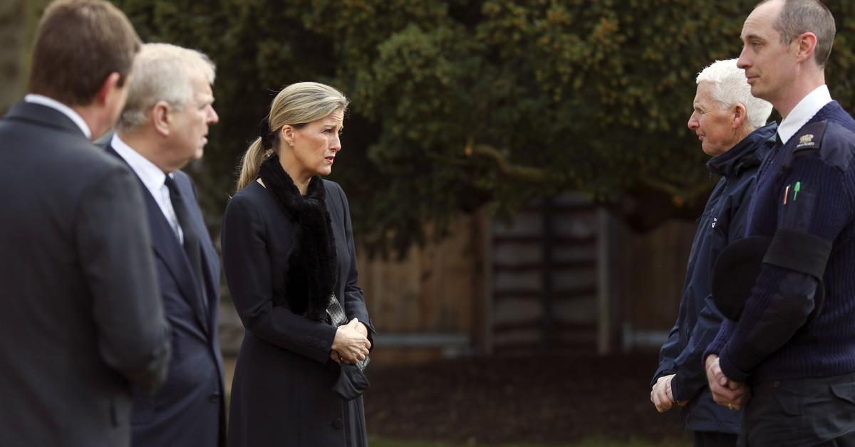 El príncipe Andrés reaparece en la misa por su padre: de la emoción de Sofía de Wessex y Lady Louise a la confesión de Eduardo