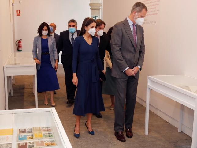 Esta es la firma low cost y made in Spain favorita de la Reina Letizia (y este vestido que hace tipazo lo confirma)