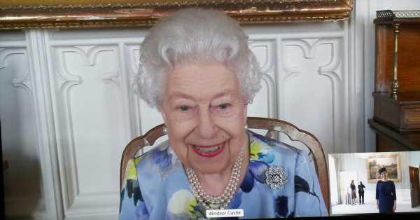 Isabel II recupera la sonrisa: su primer acto oficial desde que es viuda