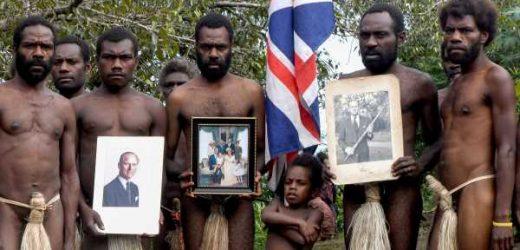 La insólita historia de la tribu de Vanuatu que considera un dios al duque de Edimburgo (y que ahora llora su muerte)