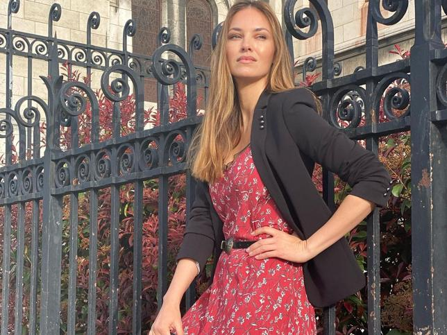 La marca de moda 'made in Spain' que ha enamorado a Helen Lindes por su originalidad, líneas modernas, sofisticación y elegancia