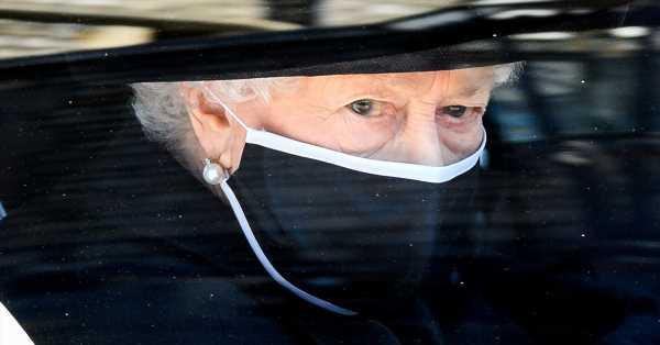 La soledad de Isabel II en el último adiós a Felipe de Edimburgo