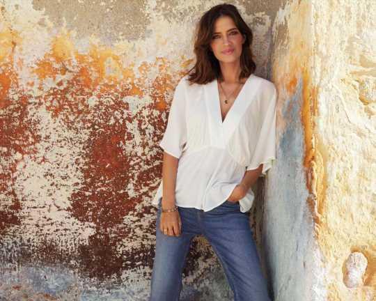 Los vaqueros más apetecibles y favorecedores de la colección de Sara Carbonero e Isabel Jiménez para Cortefiel con los que crear un estilo muy primaveral