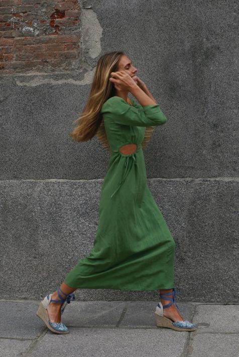 Los zapatos cómodos tendencia de la primavera son estas alpargatas 'made in Spain' que estilizan y tienen las influencers