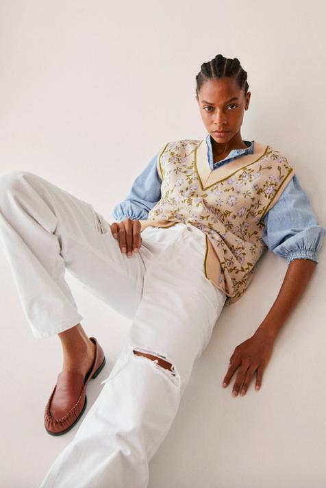 Mango tiene los chalecos de punto que van a ser los mejores compañeros de tus blusas blancas y tus camisas vaqueras