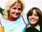 Por qué la misteriosa desaparición de la madre de Luis Miguel ha sido una maldición para el cantante y una obsesión para videntes, fans y policías, que creen que sigue viva