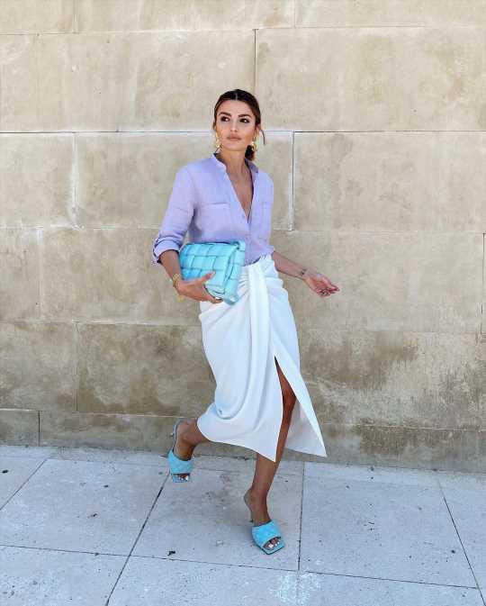 Sorpresa: la falda más bonita de la primavera es de Zara Home y, además de hacer la cintura más delgada y disimular tripa, queda igual de bien con sandalias, zapatillas o alpargatas