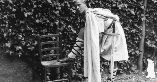 Travieso, imprudente, pero nunca antipático: así era Felipe de Edimburgo de adolescente según un informe escolar