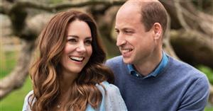 Vestido romántico y collar de 14.000€ (¿regalo de Guillermo?): el 'look' de Kate Middleton en el posado de su 10º aniversario