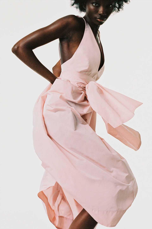 Zara vende el vestido de alfombra roja más famoso de los Oscar