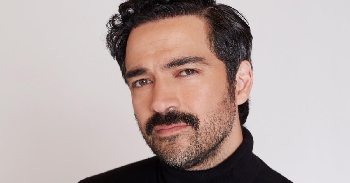 101 preguntas a Alfonso Herrera: ¿Con qué personaje histórico tendría un 'vis a vis'? Me encantaría hablar con Cantinflas