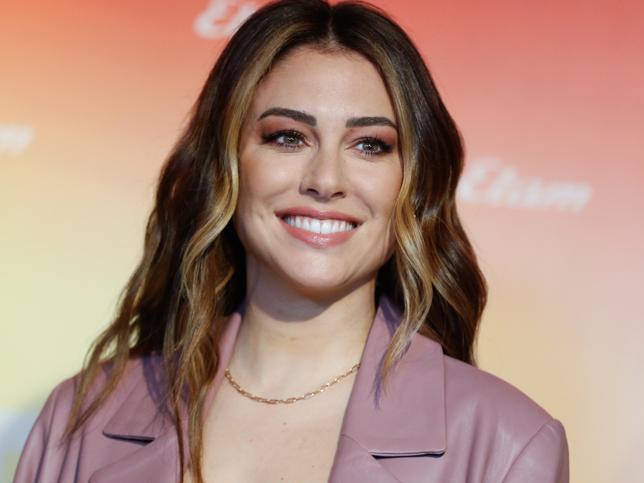 Blanca Suárez sorprende con un cambio de look con una melena XXL y las mechas que ponen efecto buena cara