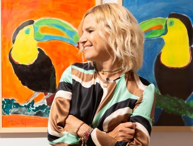 Blusa de cuadros vichy y pantalones lila, el look de Eugenia Martínez de Irujo que rejuvenece a los 50 y que es perfecto para primavera