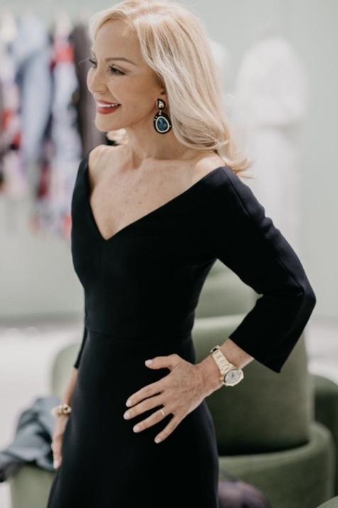 Carmen Lomana cambia de look y apuesta por la media melena rejuvenecedora que triunfa entre las famosas