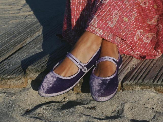 Estas bailarinas de tela 'made in Spain' son tan cómodas como unas zapatillas y perfectas para tus looks de verano