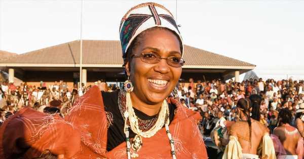 Incertidumbre en Sudáfrica tras la repentina muerte de la reina zulú solo un mes después del adiós al rey