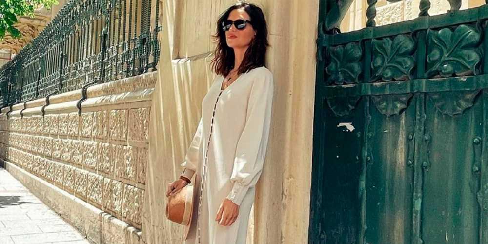 Sara Carbonero con vestido de punto de Zara y sandalias