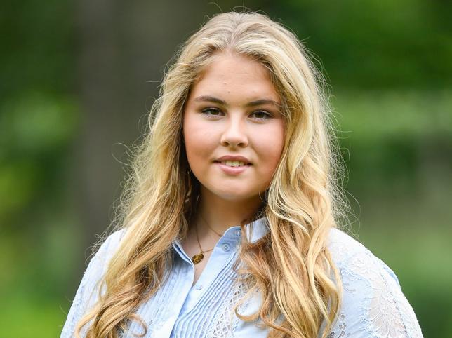 Catalina Amalia de Orange, la princesa de los Países Bajos que no se cree que va a ser reina, le hacen bullying por su aspecto y cobra más de un millón de euros al año