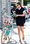 Cómo llevar los shorts sin perder estilo: seis looks sin edad hasta para acudir a la oficina