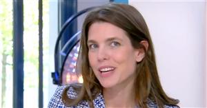 El 'look' de belleza más natural de Carlota Casiraghi (vestida de Chanel): pestañas sin marcar, tez limpia y mucha hidratación