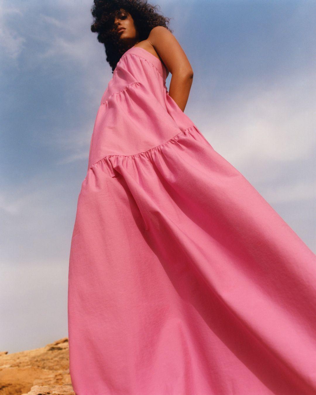 El vestido rosa que querrían todas las 'royals' lo tiene Mango