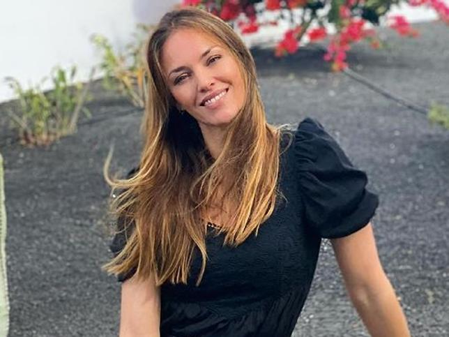 Helen Lindes triunfa en Instagram con el vestido largo que todas quieren y que sienta de maravilla