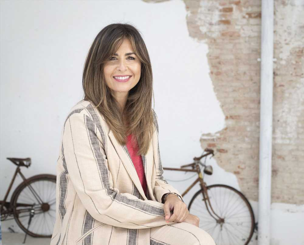 Nuria Roca tiene que suspender sus funciones de teatro por problemas de salud