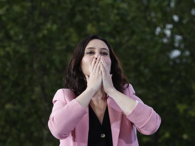 Por qué Isabel Díaz Ayuso se atreve con la entrevista íntima de Bertín Osborne: así la ha ayudado la televisión a convertirse en la mujer más poderosa de la política