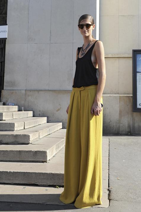 Tres pantalones de Zara muy fresquitos que son ideales para tus looks cómodos con sandalias planas