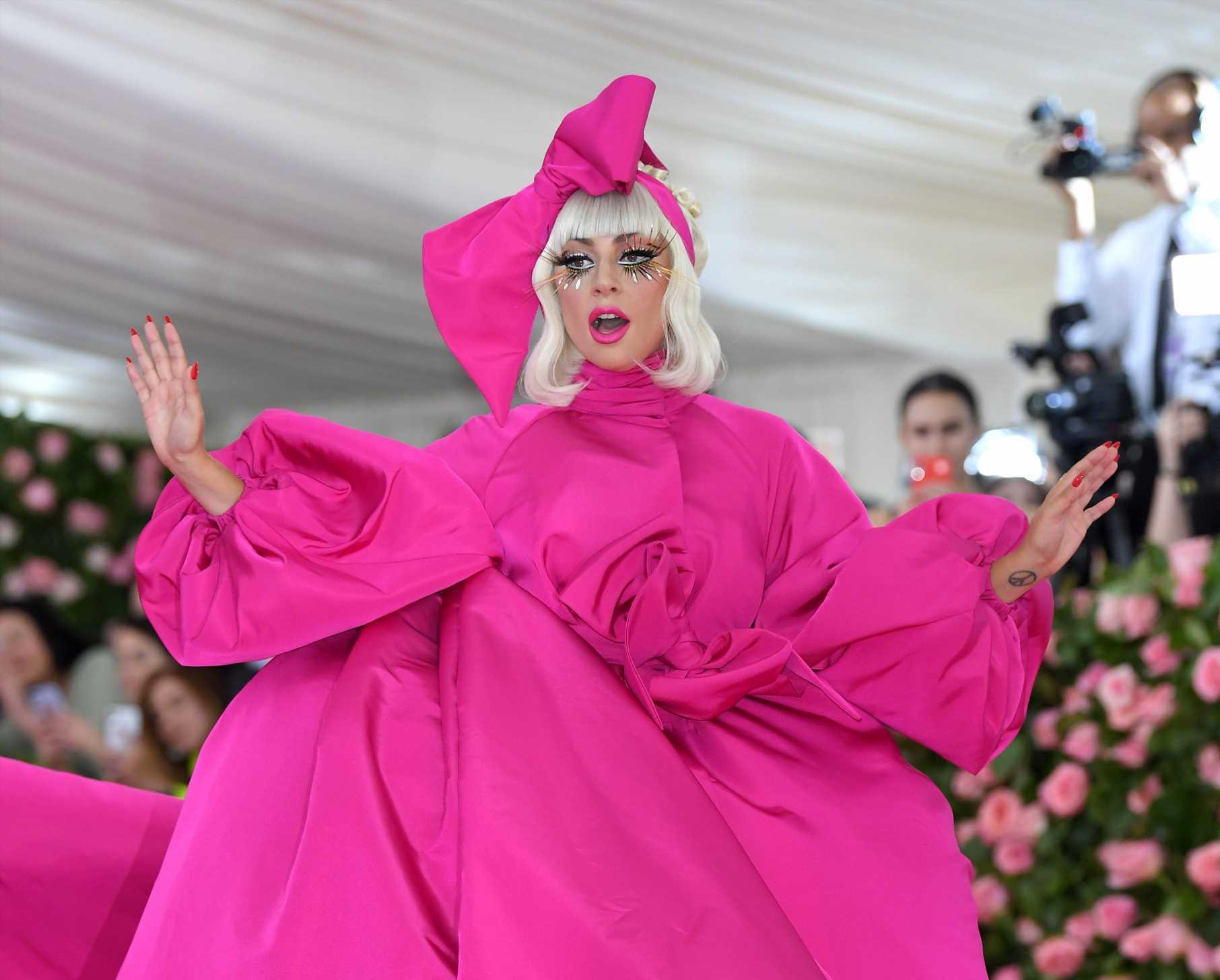 Zara se inspira en el look de Lady Gaga en la gala MET de 2019