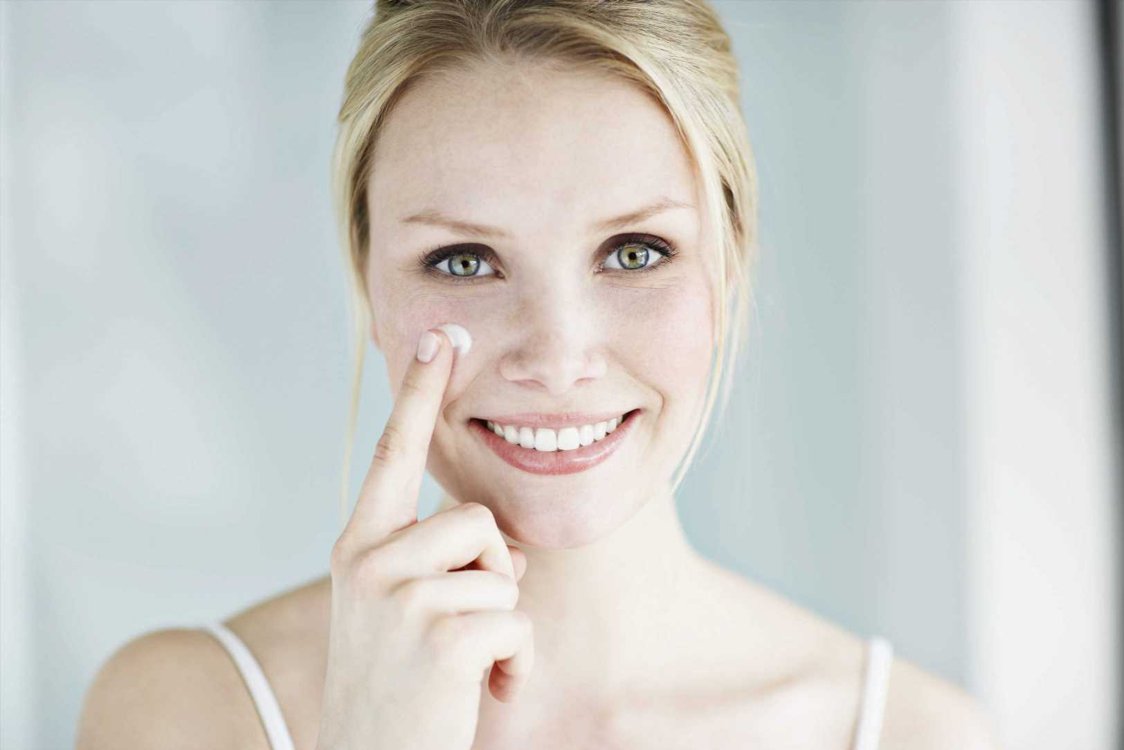 Aprende a cuidar tu piel de forma correcta sin salir de casa