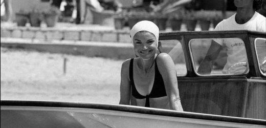El bikini de Jackie Kennedy que favorece si tienes pecho pequeño