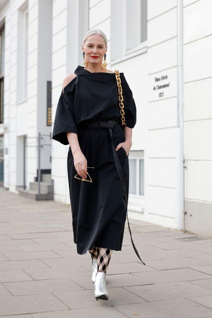 El vestido de crochet de Zara de rebajas que favorece a todas