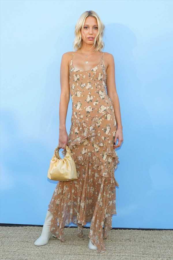 Olympia de Grecia y el vestido de lunares que encontrarás en Zara